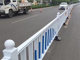 中原路交通设施-护栏