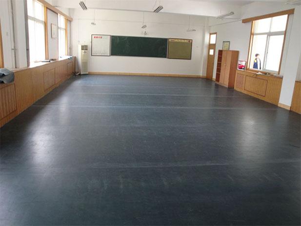 中学教师塑胶地板