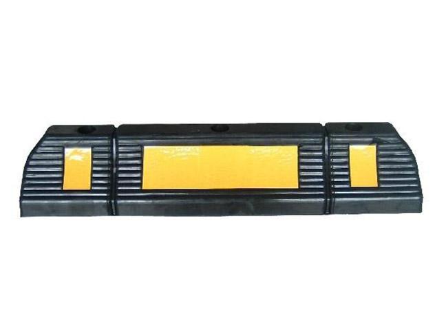 停车场设施-橡胶车轮定位器